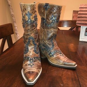barely worn ariat boots